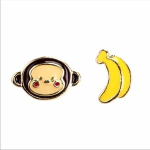 Jewelry - Adorable monkey/banana earrings!!